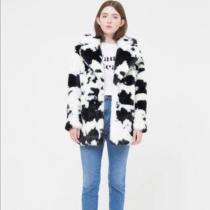 c69a975efa4b Topshop Jackets & Coats   Nwot Jakke Faux Fur Cow Print Jacket ...